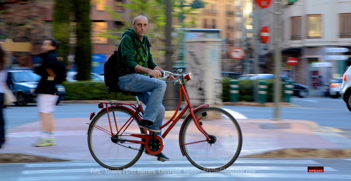 EMILIO OVIEDO -Productor- Las bicicletas son para rodar.