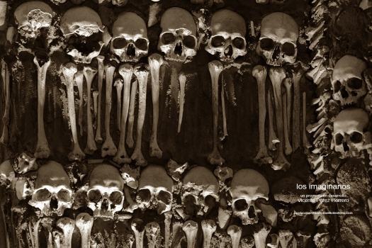 Huesos 72pp TEXT.jpg